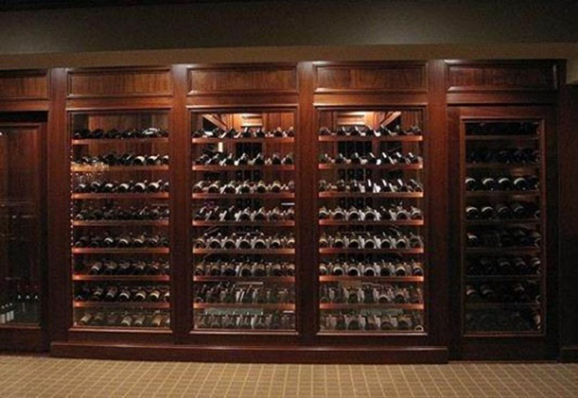 工程酒柜可根据客户要求定制(材料有木质
